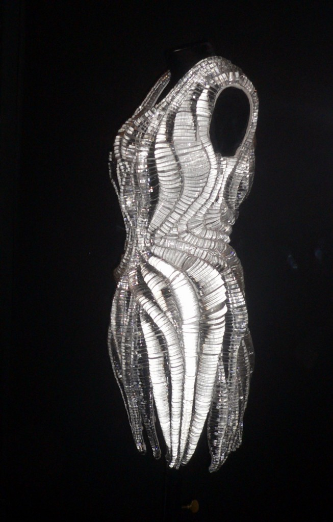 Iris Van Herpen, collection micro couture, PE 2012